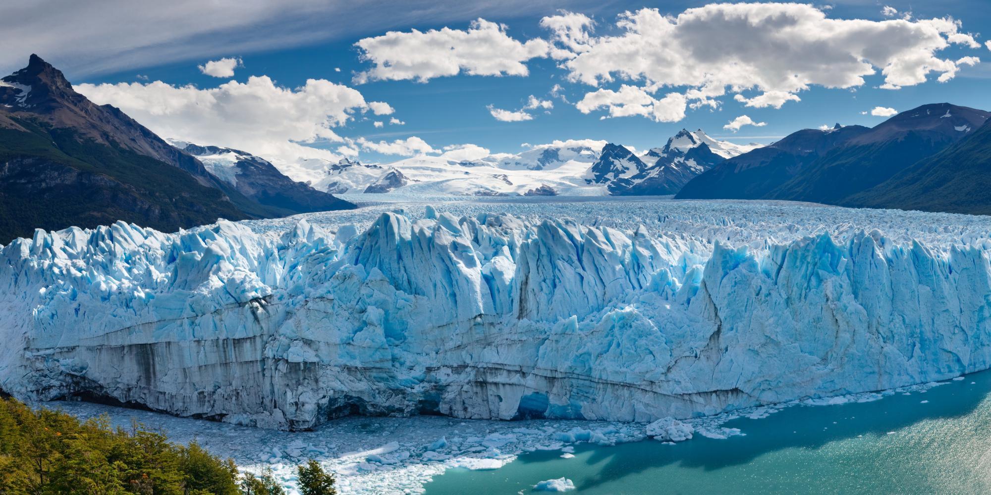 Argentina_Patagonia_Tour_Perito_Moreno_Glacier_-_lost_world_adventures_1